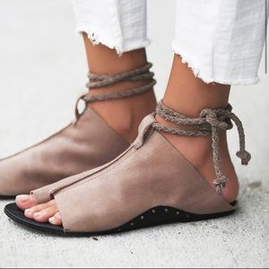 Gorgeous Free People sandals